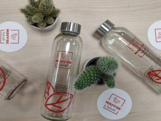 Mapfre sustituirá los envases de plástico por vidrio