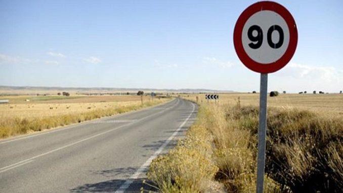 velocidad máxima en carreteras secundarias