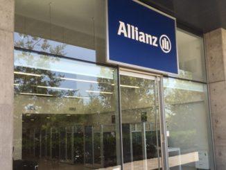 Empleados de Allianz explican el mundo de los seguros en las aulas